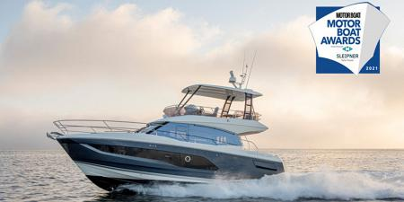 PRESTIGE 420 FLY WINNER AT THE MOTORBOAT AWARDS 2021